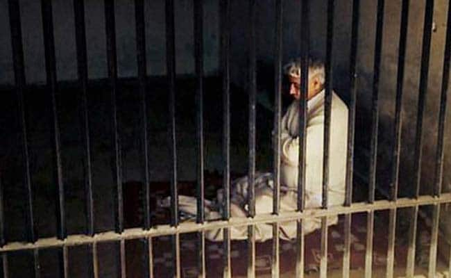 Rampal Charged With Murder, Rioting; Will be Interrogated in Hisar Jail