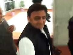 Nominated by PM for Clean India Campaign, Akhilesh Smiles But Does Not Comment