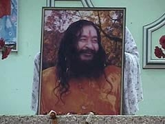 At This Ashram, Crowds Gather to Fight for Guru's Body Kept in Freezer