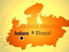 इंदौर : सरकारी अस्पताल के पोस्टमार्टम हाउस में रखे नवजात के शव को चींटियों ने नोचा