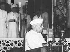 इतिहासकारों की राय, नेहरू को नीचा दिखाने की कोशिश