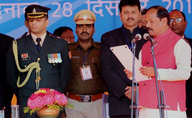 Raghubar Das Sworn-In as Jharkhand Chief Minister, PM Modi Misses Ceremony Due to Fog in Delhi