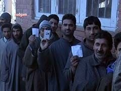 Polling Crosses 11 Percent in Kashmir During First Few Hours