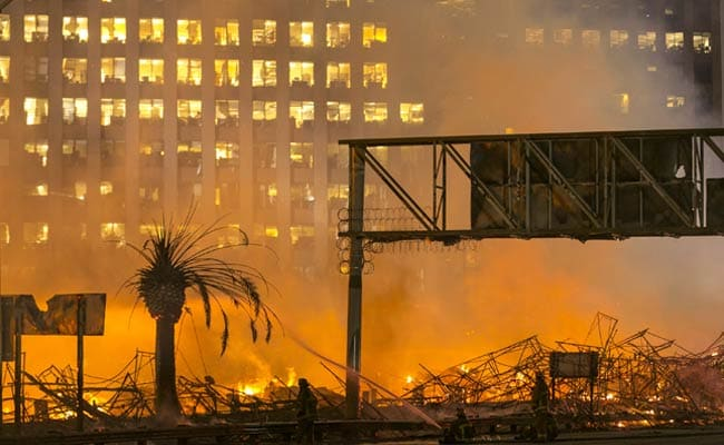 Massive Los Angeles Fire Shuts Down Parts of 2 Freeways