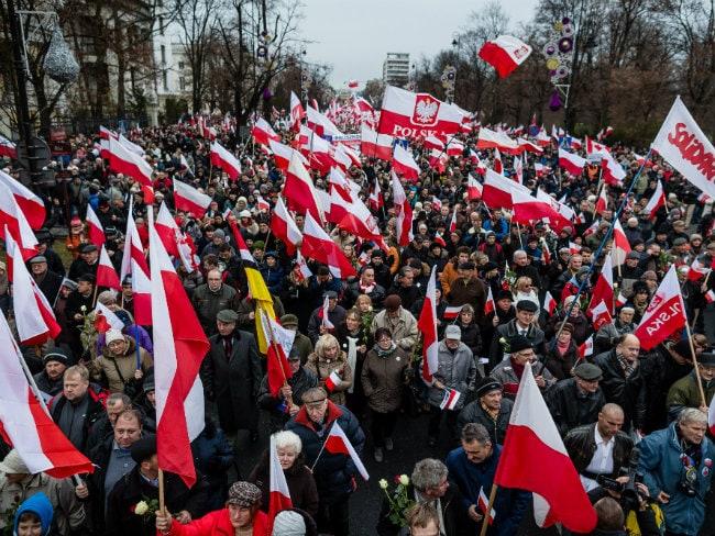 Thousands of Protestors Flood Polish Opposition Demo