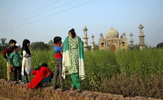 Uttar Pradesh Government to Help Retired Man Build 'Mini' Taj Mahal in Bulandshahr