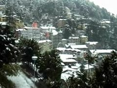 Snow Continues in Himachal, Affects Traffic Movement