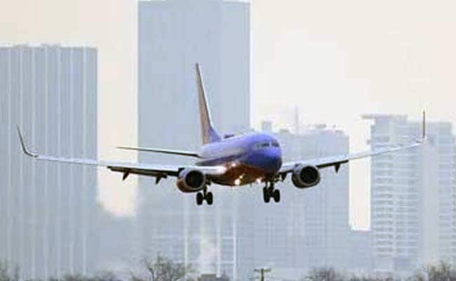 Flights Cancelled as Ice-Storm Chills Dallas Airport
