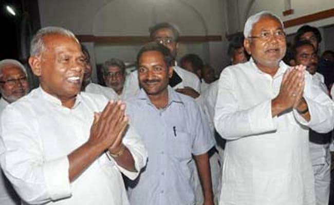 Crisis in Bihar. 20 Ministers Resign in Support for Nitish Kumar