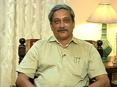 Retaliate With Double Force: Defence Minister Manohar Parrikar on Ceasefire Violations by Pakistan