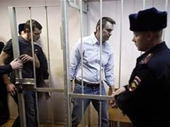 Kremlin Critic Navalny Given Suspended Sentence, Brother Jailed