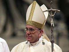 Pope Celebrates Christmas Eve Mass After Excoriating Staff