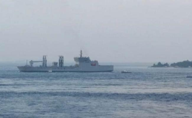 Indian Ships Pumping Potable Water Into Maldives Capital