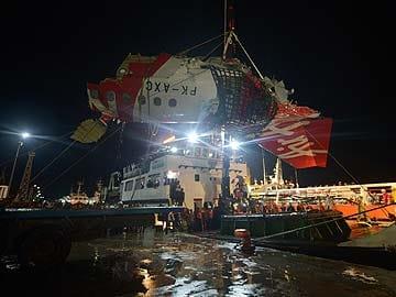 ब्लैक बॉक्स : पानी में गिरने पर हुआ एयर एशिया विमान में विस्फोट