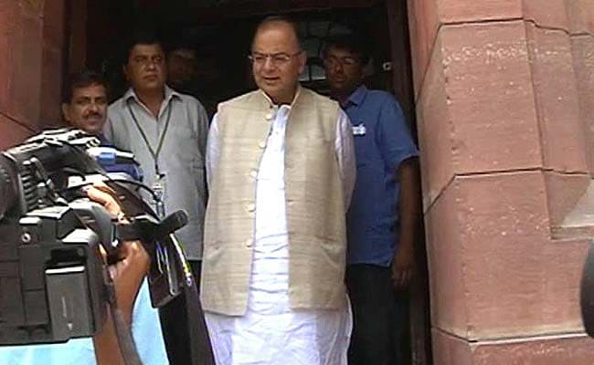Kiran Bedi's Offer to Play Doctor Upsets some in BJP, Jaitley to the Rescue