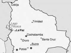 बोलिविया के बाजार में गिरा विमान, चार लोगों की मौत, तीन घायल