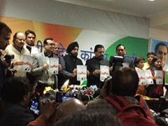 With Promises of Cheap Power and Cyber Cafes with Wi-Fi, Congress Releases Manifesto for Delhi Polls