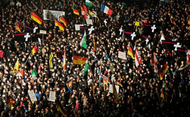 25,000 Attend German Anti-Islam March, But Counter-Protests Bigger