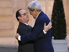 John Kerry Hugs French President Hollande, Says Shares France's Pain
