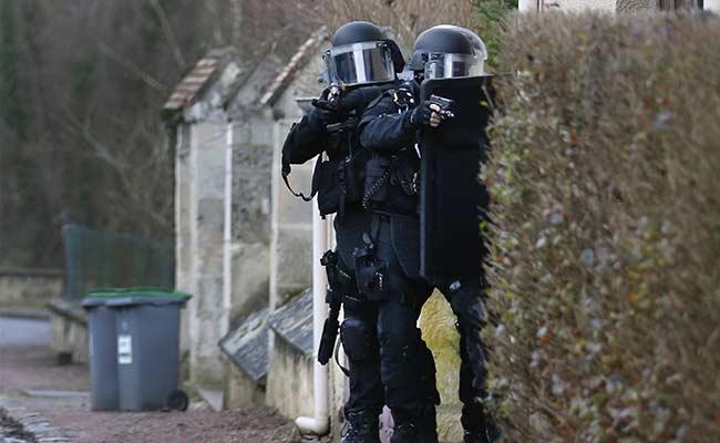 Hostage Taken North of Paris During Manhunt for Newspaper Killings
