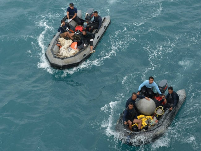 Indonesia Says Pings Detected in Search for AirAsia Jet's Black Box