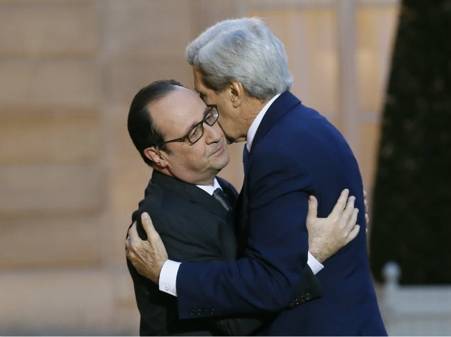 John Kerry Hugs French President Francois Hollande, Says US 'Shares Pain' After Attacks
