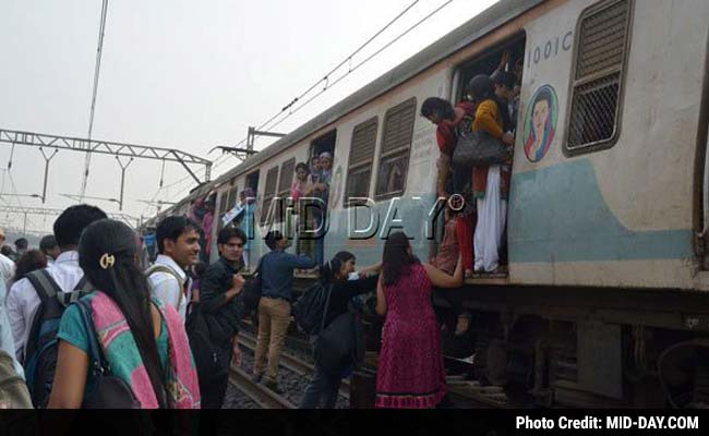 Rail Roko, Violence, Motormen Strike Paralyses Mumbai Train Services