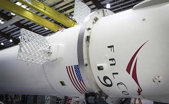 SpaceX Shoots for Launch to Station, Rocket Landing on Barge