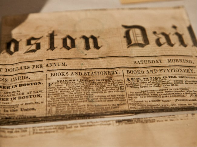 Boston Opens 'Oldest' US Time Capsule From 1795