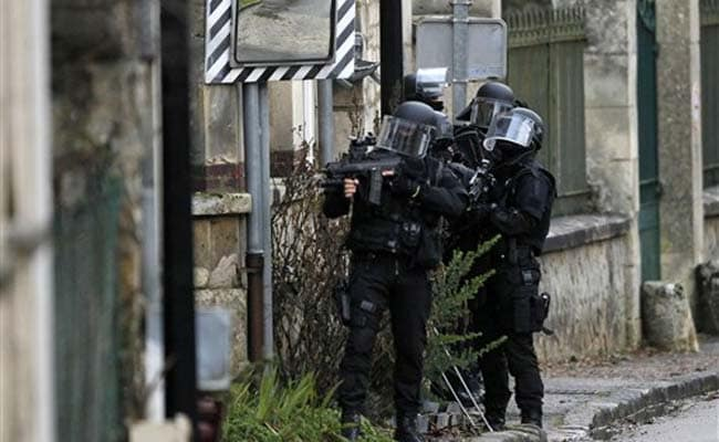Charlie Hebdo Attack: Suspects on Move Again, Shots Fired North of Paris