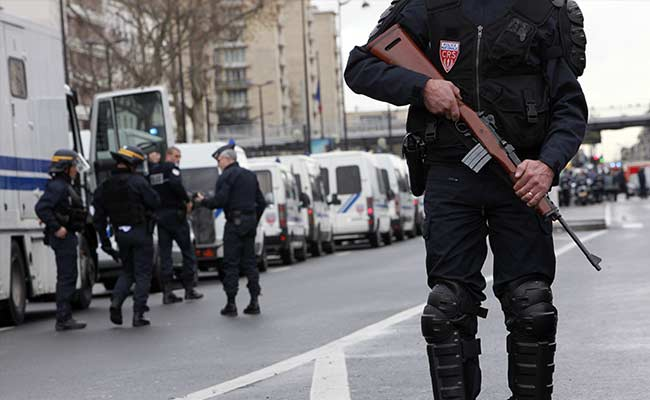 France to Hold Emergency Meeting to Avert Terror Attacks