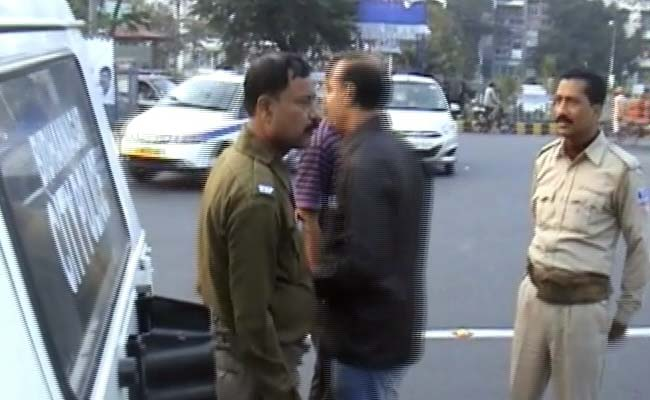 Asked to Follow Rules, Mamata Banerjee's Party MP Allegedly Slaps Traffic Policeman