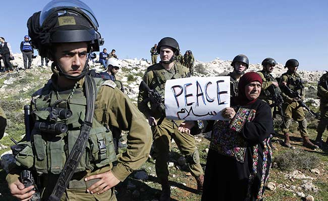 West Bank Settlers Suspected in Stoning of US Officials