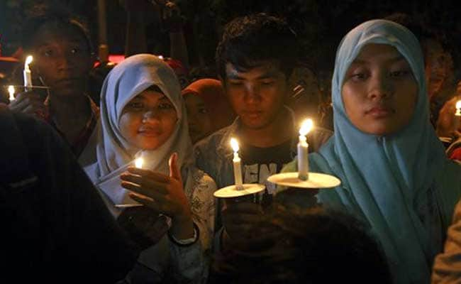 Indonesia Vows 'All-Out Effort' in Search For AirAsia Victims