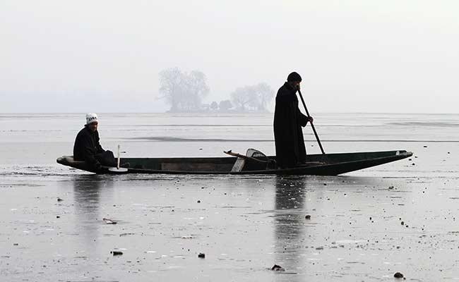 Srinagar at Minus 5.4, Dal Lake Freezes Over