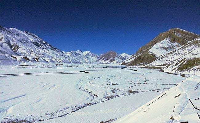 Tourists Flock to Shimla, Manali After Snowfall