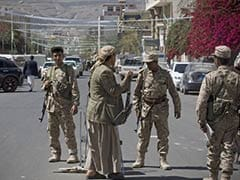 Yemeni Rebels Hold President 'Captive' at His House
