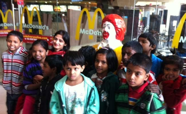 In Protest Over Pune Eviction, Kolkata NGO Takes Underprivileged Children to McDonald's