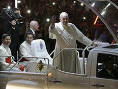 Pope Francis Tells Philippines Leaders to End Corruption, Hear Cries of the Poor