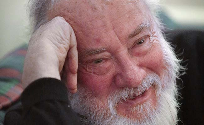 Novelist Robert Stone, Known for 'Dog Soldiers,' Dies at 77