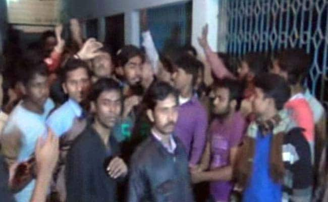 Trinamool Student Activists Lock up Teacher, Police for Hours in College