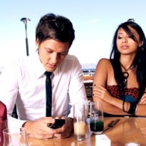 Will You Allow Checking Facebook During Romantic Meals?