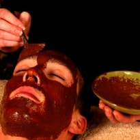 Drive Away Monsoon Skin Woes With Chocolate, Strawberry facials