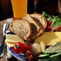 How to eat: a ploughman's lunch