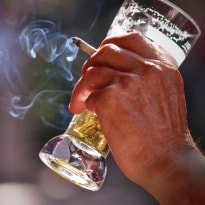 Smoking, Drinking Combo Raises Odds For Esophageal Cancer