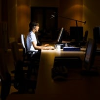 Night-Shift Workers Prone to Weight Gain: Study
