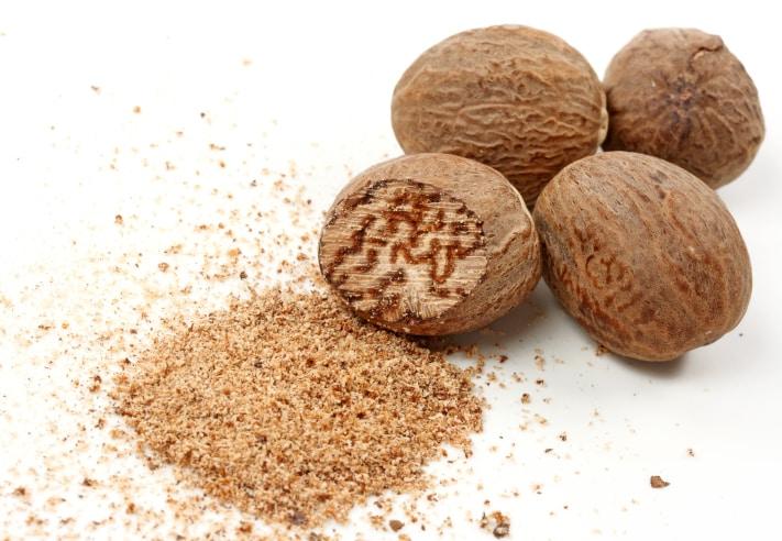 Benefits Of Nutmeg: जायफल कई बीमारियों में है रामबाण, फायदे जानकर रह जाएंगे हैरान! पाचन और यौन रोगों में भी फायदेमंद