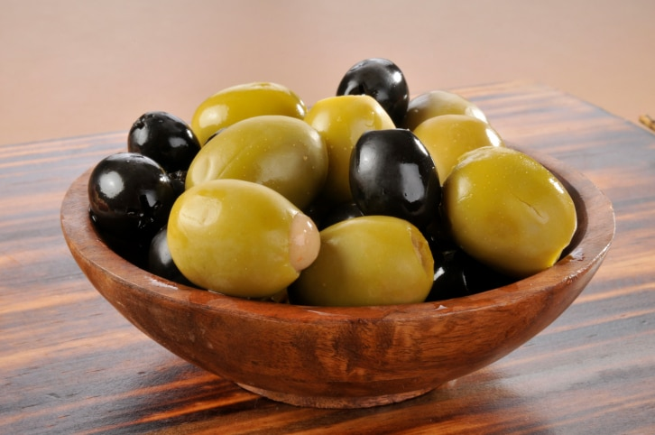 Weight Loss: 5 Ways Of Making Salad With Olives For Healthy Eating