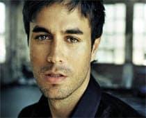 Enrique Iglesias donates song to Haiti