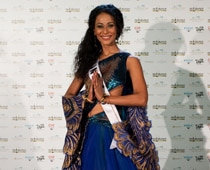 Miss India faces flak over national costume
